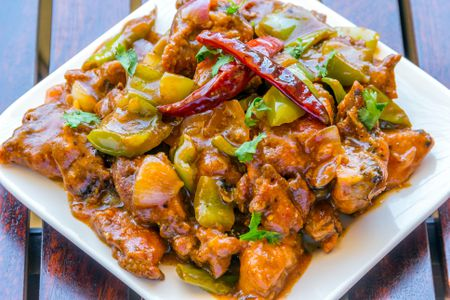hot-and-spicy-chinese-chicken-900774482-5b10d7c33de4230037abb0ef